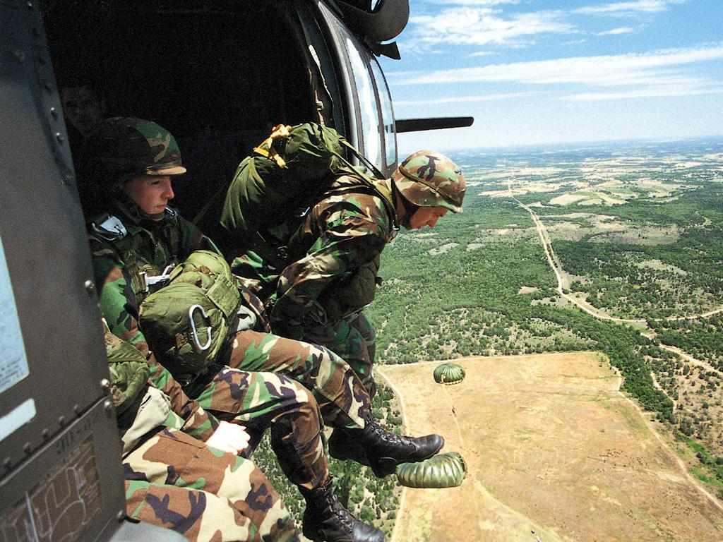 Comment devenir parachutiste militaire